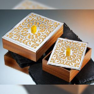 Wooden Metal Gift Box 01