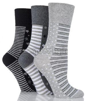 Ladies Striped Socks 01