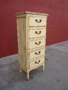 VINTAGE LOOK SHABBY CHIC PAINTED DRESSER