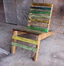 Old Wood Multi Color Relax Chair For Outdoor Cafe And Restaurant