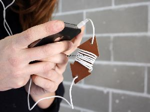 Leather Arrow Shape Ear Bud Cable Organiser