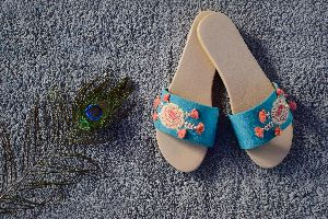Ladies Embroidered Footwear 06