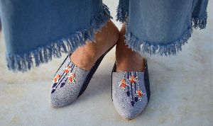 Ladies Embroidered Footwear 12