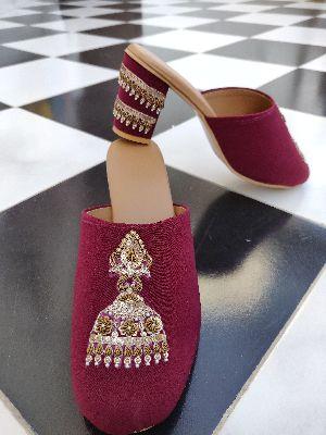Ladies Embroidered Footwear 18