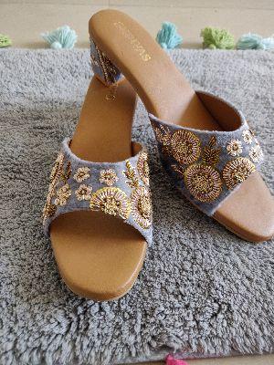 Ladies Embroidered Footwear 20