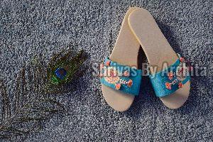 Ladies Embroidered Footwear 06
