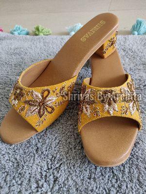 Ladies Embroidered Footwear 19