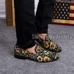 Mens Embroidered Footwear 02