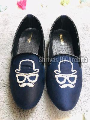 Mens Embroidered Footwear 03