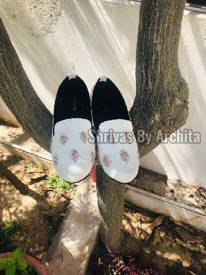 Mens Embroidered Footwear 05