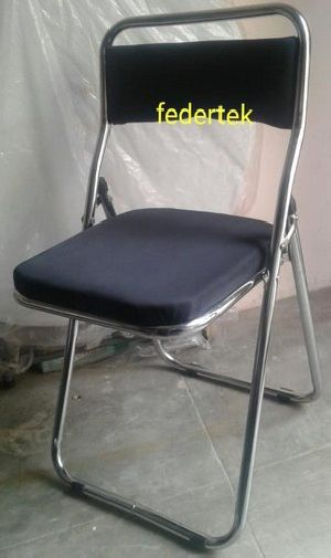 Cushion Folding Chairs 01