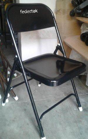 Metal Folding Chairs 01