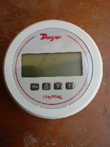 DWYER DM-1104 DIGIMAG DIFFERENTIAL PRESSURE GAUGE
