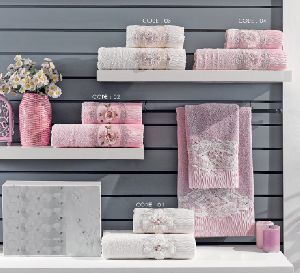 2 Piece French Lace Towel Set