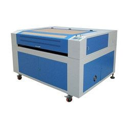 CO2 Laser Engraving Machine (LE202)
