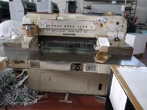 Polar 90 EL Paper Cutting Machine