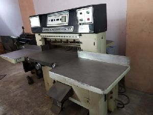 Used Paper Cutting Machine