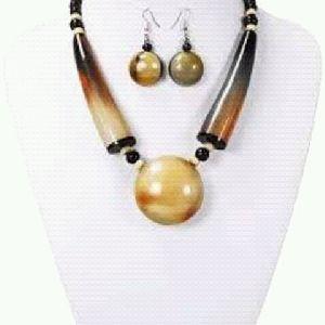 Horn Necklace Set
