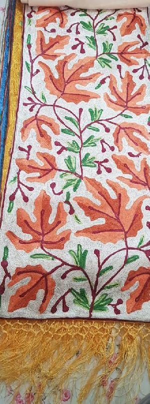 15015 Designer Linen Table Runner