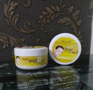 Gold Skin Brightening Face Pack