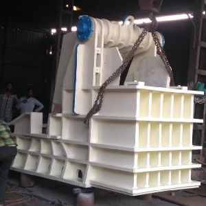 Oil Type Stone Crusher Machine