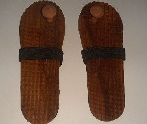 Acupressure Slipper Khadau Wooden