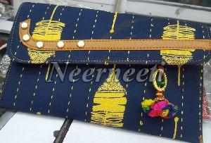 7004 Sling Bag
