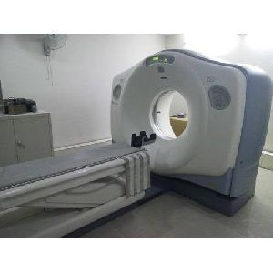 GE Lightspeed Plus 4 Slice CT Scanner Machine