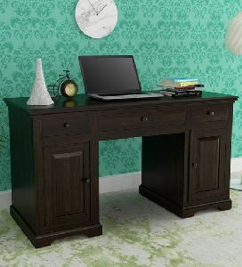 Colonial Study Table