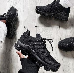 Nike Vapormax Plus Shoes