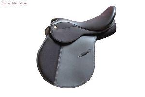 MI 002 Horse Saddles