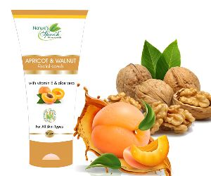Nature's Sparsh Apricot & Walnut Face Scrub