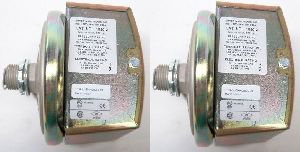Dwyer 1823-0 Low Differential Pressure Switch Range 0.15-0.5 Inches wc