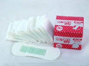 Moms Care M Size Sanitary Napkins