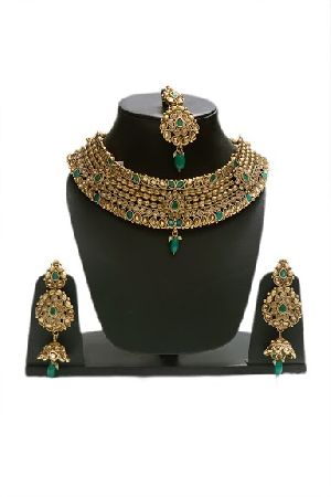Gold Emerald Beads Necklace Set