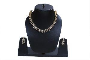 Kundan One Layer Necklace Set