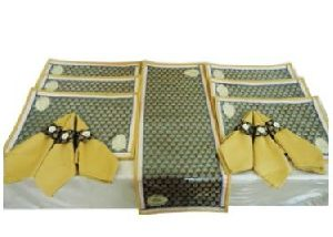 DS 027 Dining Table Linen Set