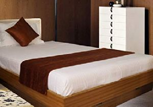Single Bed Runner & Cushion Cover Set