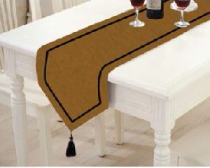 TR-006 Triangular Table Runner