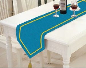 TR-008 Triangular Table Runner