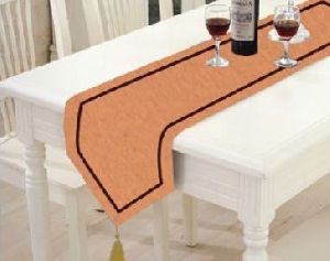 TR-010 Triangular Table Runner