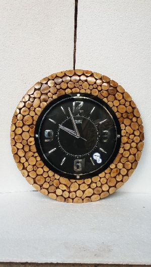 Wooden Antique Watch 02