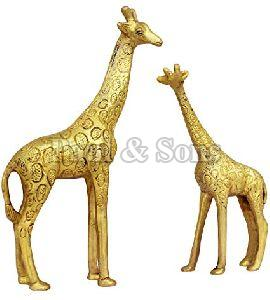 Metal Giraffe Statue