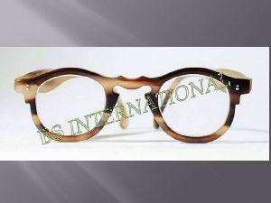 Horn Eyeglass