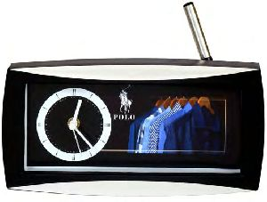 163 Table Clock With Pen Stand