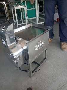 Dry Copra Chips Cutter Machine