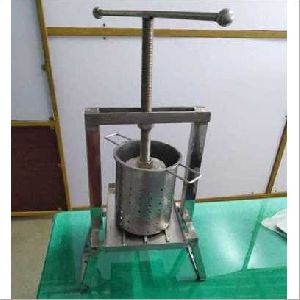 Manual Coconut Milk Extractor