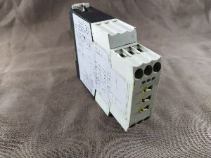 MOELLER ETR4-69-A TIMING RELAY MULTIFUNCTION 0.05S, 100H, 10 RANGES, 1 CHANGEOVER RELAY