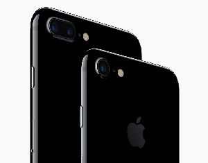 Apple iPhone 7 Plus Mobile Phone