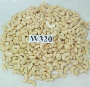 WW 320 Cashew Nuts
